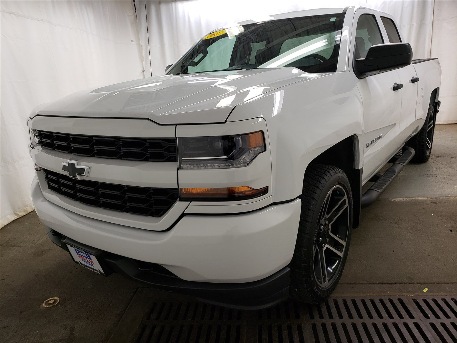 Pre-Owned 2017 Chevrolet Silverado 1500 Custom