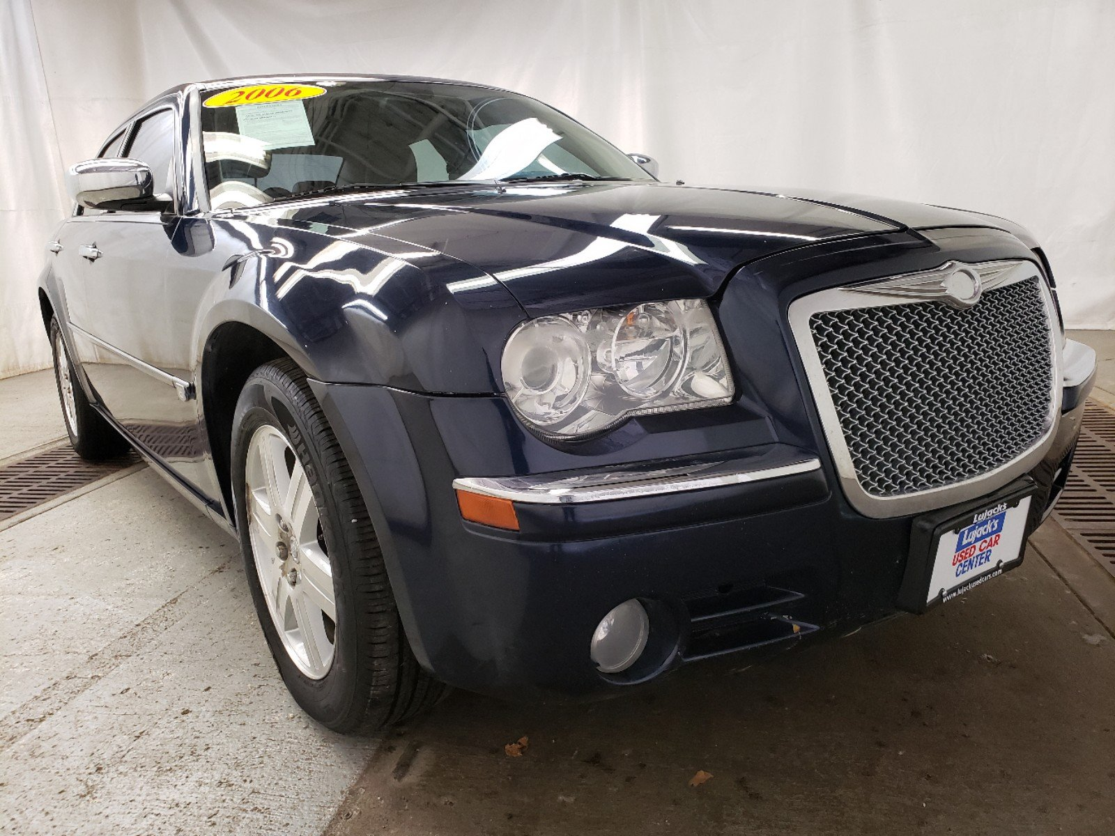 Pre-Owned 2006 Chrysler 300 C