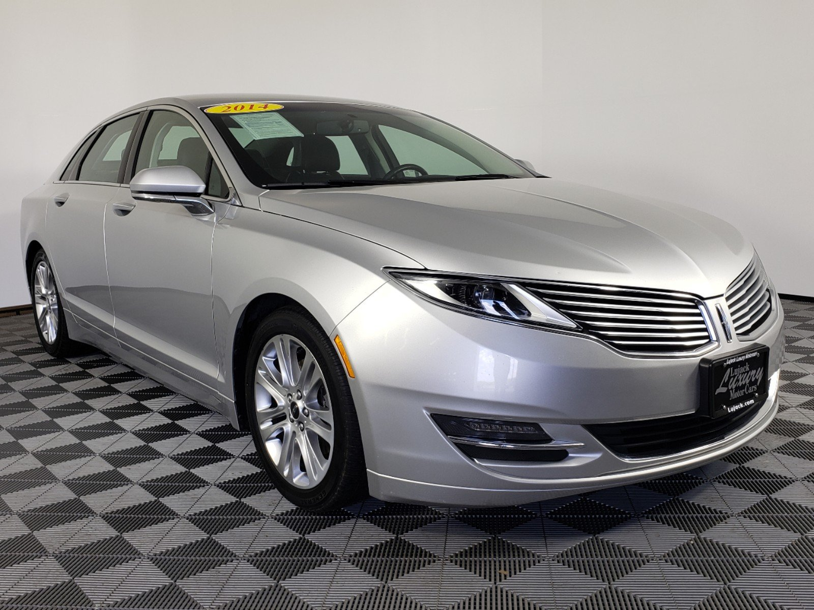 Pre-Owned 2014 Lincoln MKZ Base FWD 4dr Car